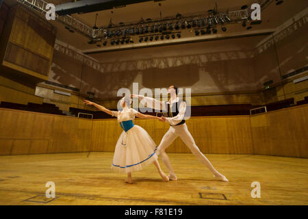 Croydon, London, United Kingdom, 3rd December 2015. L/R Anastasia Chava and Petr Borchenko from the Saint Petersburg - Stock Photo