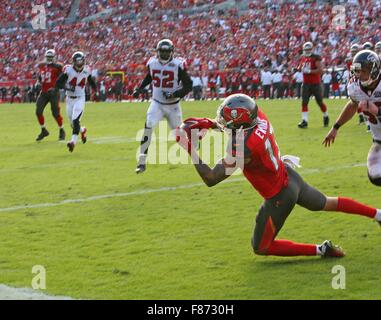 Tampa, Florida, USA. 6th Dec, 2015. JIM DAMASKE | Times .Bucs Mike Evans (13) catches the game winning TD during - Stock Photo