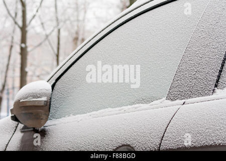 Window snow snowy cold weather freezing house home snowed for Best windows for cold climates