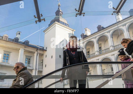 Visitors at the courtyard of the Grand Dukes palace in Vilnius, Lithuania, Europe - Stock Photo