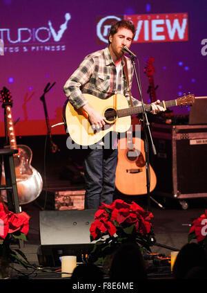 Modesto, CA, USA. 8th Dec, 2015. IHeart Radio B93 Acoustic Christmas in Modesto California at The State Theater. - Stock Photo