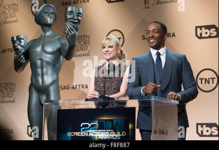 Los Angeles, California, USA. 9th December, 2015. Anthony Mackie (R) and Anna Faris announce the nominations for - Stock Photo