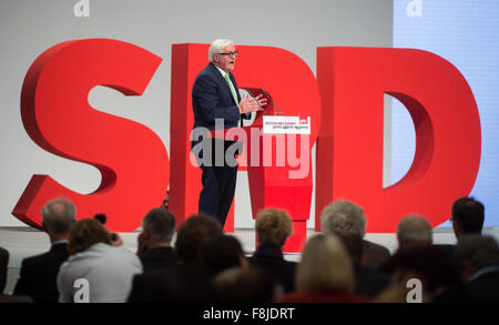Berlin, Germany. 10th Dec, 2015. German foreign minister Frank-Walter Steinmeier delivers a speech at the national convention of Germany's Social Democratic Party (SPD) in Berlin, Germany, 10 December 2015. Around 600 delegates from across Germany will meet for three-day party convention in Berlin which will run until 12 December 2015. Photo: BERND VON JUTRCZENKA/dpa/Alamy Live News Stock Photo
