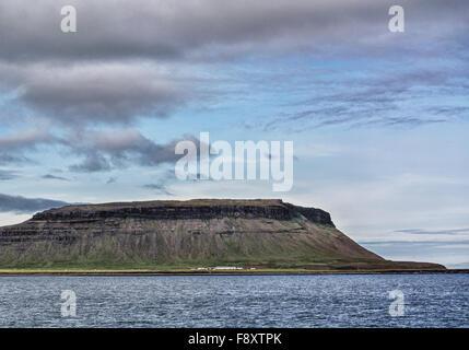 Snaefellsnes Peninsula, Iceland. 30th July, 2015. An impressive scenic mountain range on the Snæfellsnes peninsula - Stock Photo