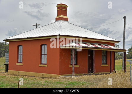 the old gatekeepers cottage at the Barley Fields Road level crossing on the Main Northern Line near Armidale - Stock Photo