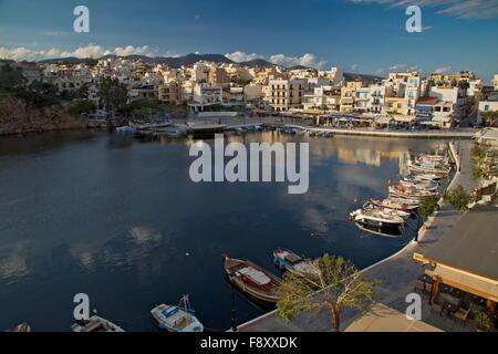 Lake Voulismeni in the centre of Aghios Nikolaos, Crete, Greece. - Stock Photo
