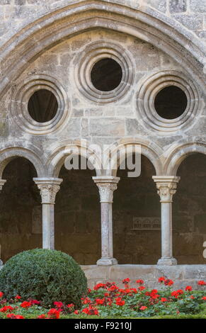 The cloisters of L'Abbaye Sainte-Marie de Fontfroide, or Fontfroide Abbey, near Narbonne, SW France. - Stock Photo