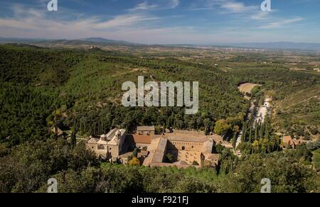 L'Abbaye Sainte-Marie de Fontfroide, or Fontfroide Abbey, near Narbonne, SW France. - Stock Photo