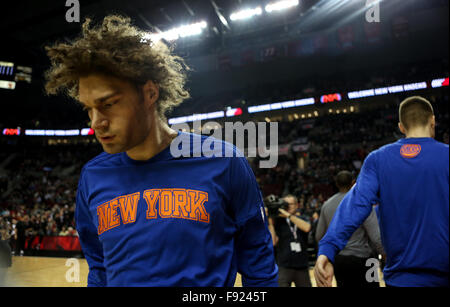 Portland, Oregon, USA. 12th December, 2015. ROBIN LOPEZ (8) Is introduced. The Portland Trailblazers hosted the - Stock Photo