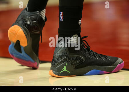 Portland, Oregon, USA. 12th December, 2015. CARMELO ANTHONY (7) wears his new MELO M12 sneaker. The Portland Trailblazers - Stock Photo