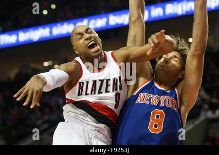 Portland, Oregon, USA. 12th December, 2015. GERALD HENDERSON (9) is fouled. The Portland Trailblazers hosted the - Stock Photo