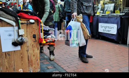 Brighton, UK. 13th December, 2015. The bohemian North Laine shopping area of Brighton is packed with Christmas shoppers - Stock Photo