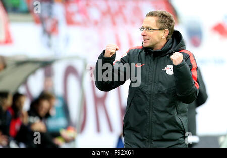 Leipzig, Germany. 13th Dec, 2015. Leipzig's head coach Ralf Rangnick celebrates after the 3-1 victory after the - Stock Photo