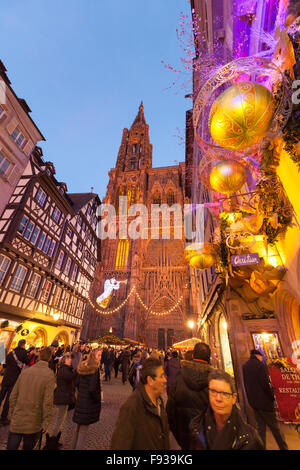 strasbourg cathedral at night strasbourg france stock. Black Bedroom Furniture Sets. Home Design Ideas