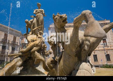 Ortigia Sicily, view of the Fountain of Artemis in the Piazza Archimede in Ortigia (Ortygia), Syracuse (Siracusa), - Stock Photo