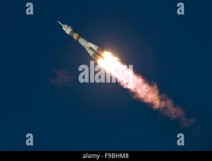 The Soyuz TMA-19M rocket is launched with Expedition 46 Soyuz Commander Yuri Malenchenko of the Russian Federal - Stock Photo