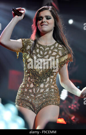 Washington, DC, USA. 14th Dec, 2015. HAILEE STEINFELD performing at Hot 99.5's annual iHeart Radio Jingle Ball concert - Stock Photo