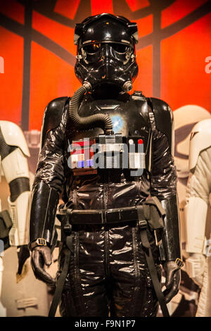 New York, USA. 17th December, 2015.  Iconic costumes from Star Wars are presented in the Smithsonian exhibition, - Stock Photo