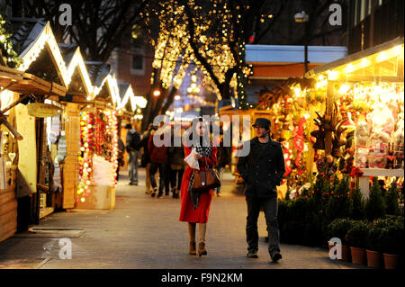 Manchester Christmas Market, Albert Square, Manchester. Picture by Paul Heyes, Monday December 14, 2015 - Stock Photo