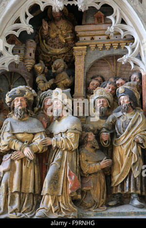 Life of St. Jacques le Majeur : 'Hermogenes is tied up, Withers issued and forgiven. 1511. High relief in the south - Stock Photo