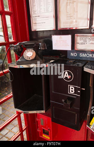 UK, England, Worcestershire, Bromsgrove, Avoncroft Museum, National Telephone Kiosk Collection, K6 booth interior, - Stock Photo