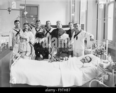 Group of People Visiting Patient, Brooklyn Navy Yard Hospital, Brooklyn, New York City, New York, USA, 1900 - Stock Photo
