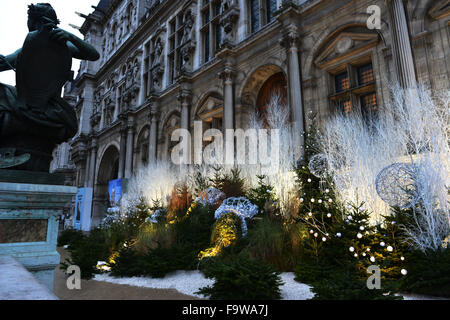 Paris. 18th Dec, 2015. Photo taken on Dec. 18, 2015 shows the City Hall in Paris, France. French business leaders - Stock Photo