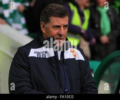 Celtic Park, Glasgow, Scotland. 19th Dec, 2015. Scottish Premier League. Celtic versus Motherwell. Mark McGhee, - Stock Photo