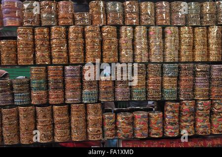 Colourful bangles at shrine market place of Ajmer Sharif Dargah  the Mausoleum of  Moinuddin Chishti, an Indian - Stock Photo