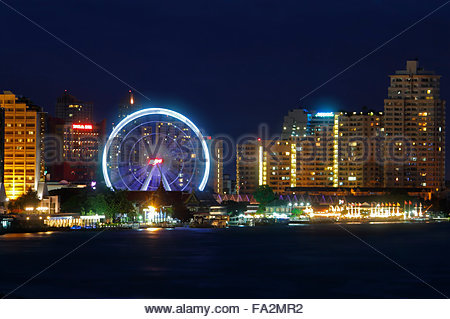 Ferris wheel at Asiatique the riverfront - Stock Photo