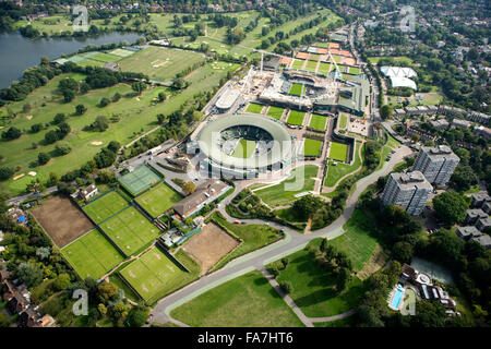 ALL ENGLAND LAWN TENNIS AND CROQUET CLUB, Wimbledon, London. An aerial view of the site showing the re-development - Stock Photo