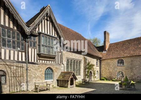 The courtyard at Ightham Mote, Kent - Stock Photo
