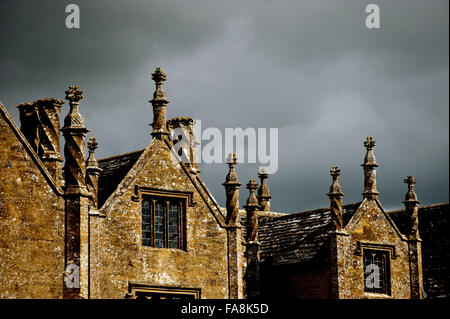 Spiral chimneys and finials of Barrington Court, Somerset. - Stock Photo