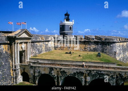 The fortress Castillo de San Felipe del Morro was built during the 16th Century to keep maritime invaders away from - Stock Photo