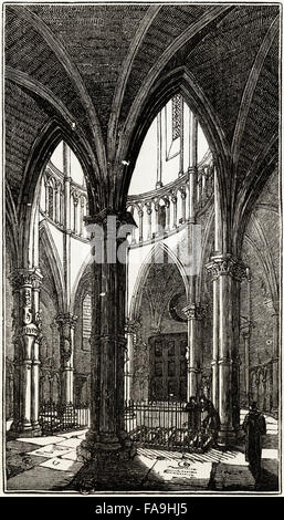 Interior of the Round, Temple Church, London consecrated in 1185. Victorian woodcut engraving circa 1845. - Stock Photo