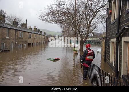Mytholmroyd, Calderdale, West Yorkshire. 26th December, 2015.Boxing Day Floods. - Stock Photo