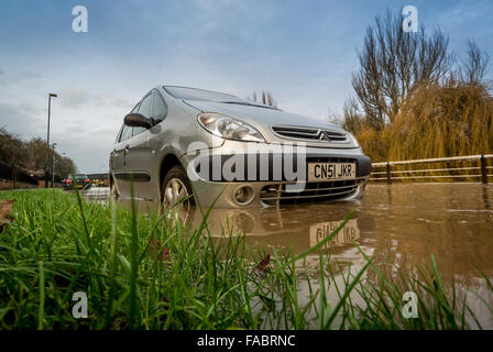 York, UK. 26th December, 2015. UK weather. Heavy rain in the North of England causes flooding in York on Boxing - Stock Photo