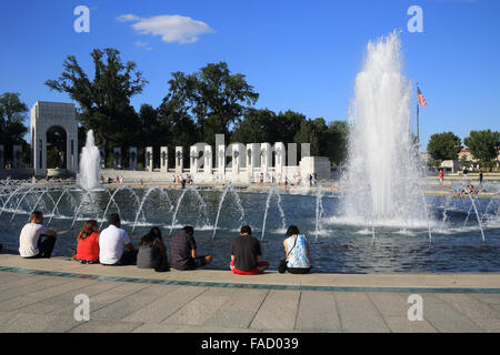 The World War II Memorial, built to honour US veteran soldiers and civilians who died, in Washington DC, USA - Stock Photo