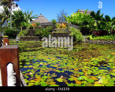 Ornamental fish pond of jardins de pa 39 ofa 39 i garden of for Ornamental fish garden ponds