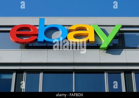 Kleinmachnow, Germany. 03rd Nov, 2015. The German branch of online auction company 'Ebay' in the industrial estate - Stock Photo