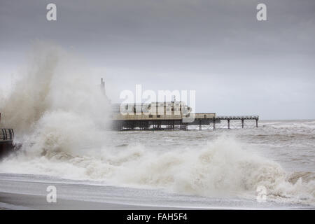 Aberystwyth, UK. 30th Dec, 2015. UK weather: Storm Frank is bringing yet more flooding misery to the UK today with - Stock Photo