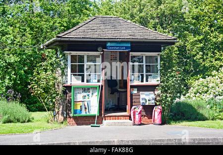 Caversham Reading Lock Keepers Hut, River Thames, Berkshire, England - Stock Photo