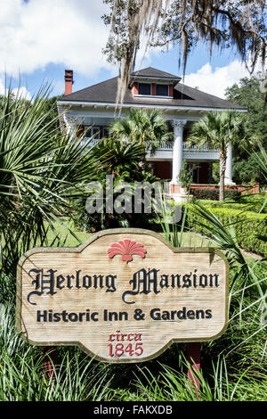 Florida Micanopy Historic District Cholokka Boulevard Herlong Mansion Inn & and Gardens bed breakfast - Stock Photo