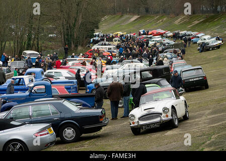Weybridge Uk Jan Classic Cars At The Brooklands