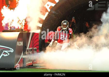 Atlanta Georgia. 3rd Jan, 2016. Atlanta Falcons CB Trufant, Desmond (#21) in action during NFL game between New - Stock Photo