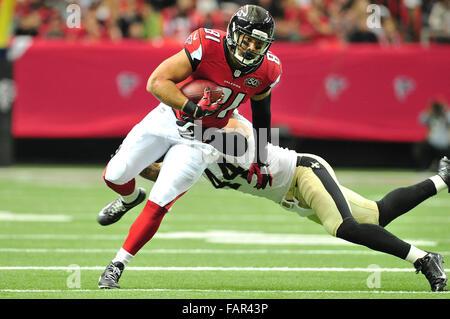 Atlanta Georgia. 3rd Jan, 2016. Atlanta Falcons TE Moeaki, Tony (#81) in action during NFL game between New Orleans - Stock Photo