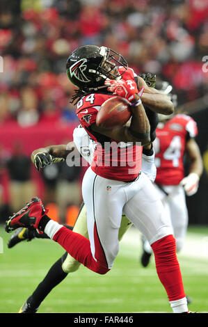 Atlanta Georgia. 3rd Jan, 2016. Atlanta Falcons WR White, Roddy (#84) in action during NFL game between New Orleans - Stock Photo