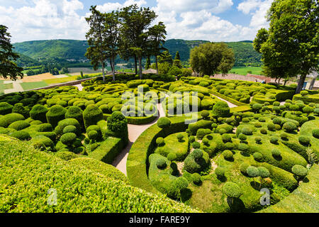 marqueyssac garden park dordogne france perigord pruned box common stock photo royalty free. Black Bedroom Furniture Sets. Home Design Ideas