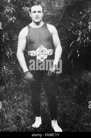 Vintage portrait photo of Canadian-born boxer Tommy Burns (1881 – 1955) – World Heavyweight Champion from 1906 to - Stock Photo