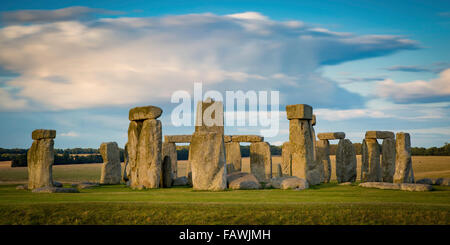 Sunset over Stonehenge near Amesbury, Wiltshire, England, UK - Stock Photo